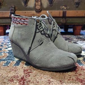 **TOMS** Desert Wedge grey suede platform lace ups